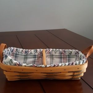 1997 Longaberger cracker basket w/ leather handles
